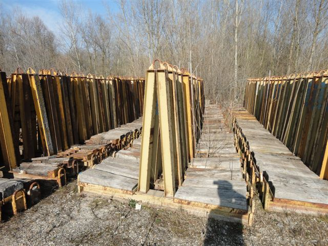 DOUBLE TRESTLE FOR PANELS