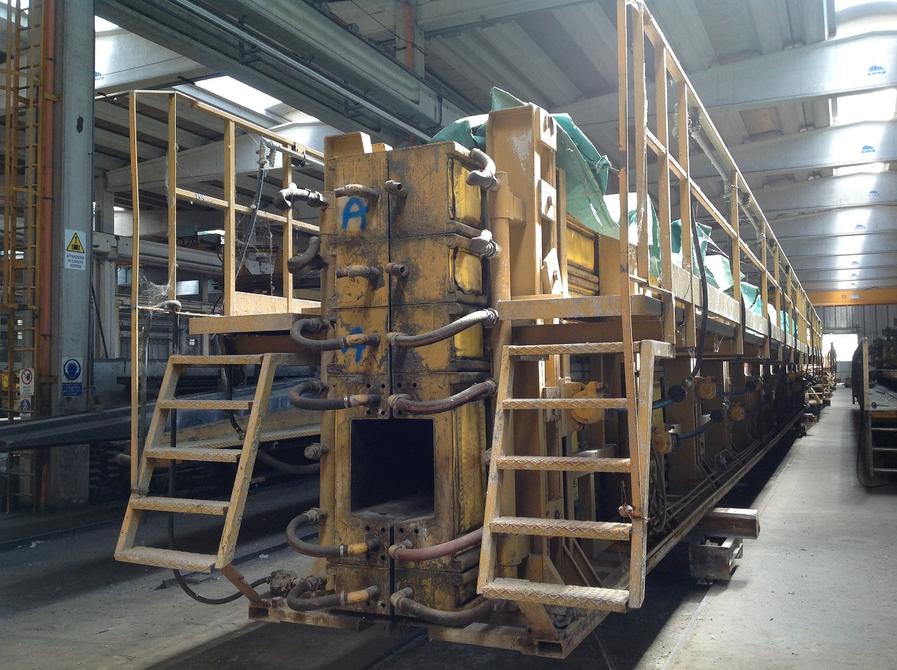 MOULD CROSS BEAM